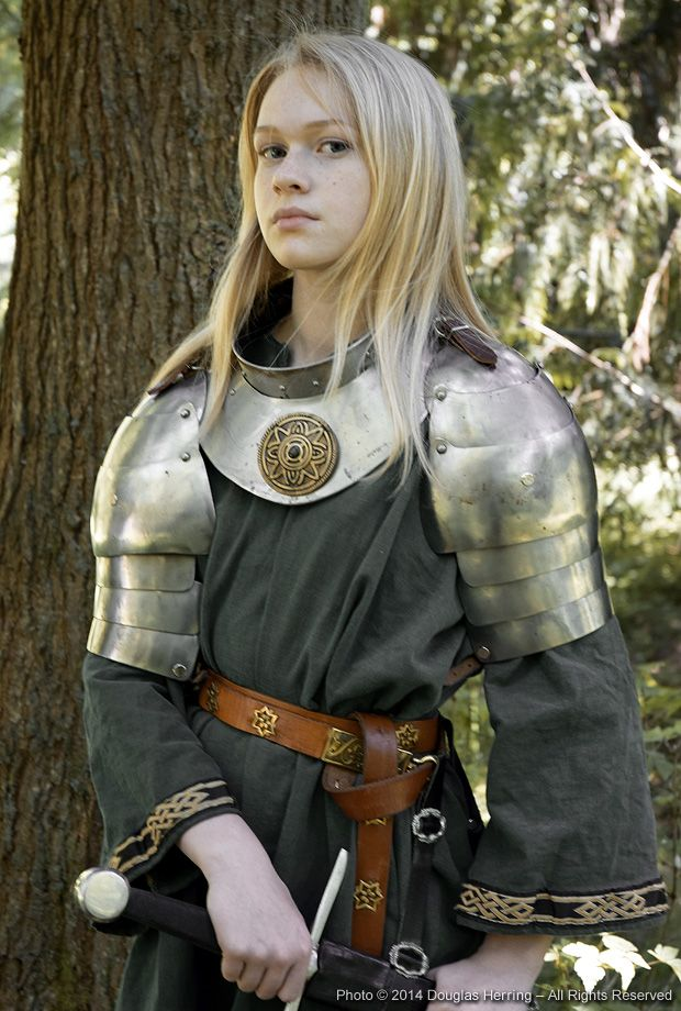 scions%20young%20knight%20woman.jpg